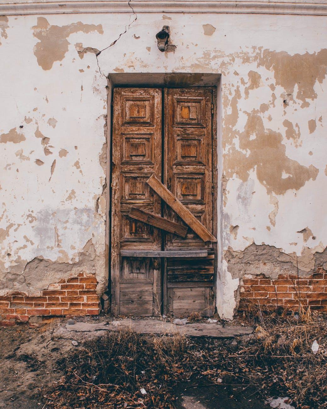أسباب الشروخ المائلة في الجدران